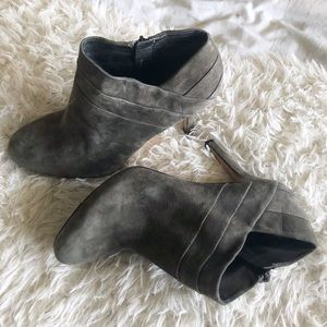 Via Spiga olive green gray leather booties!